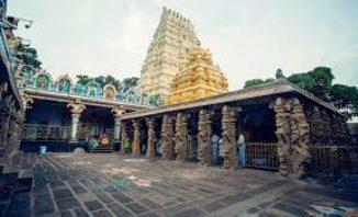 ದೇವಾಲಯದ ಅಧಿಕಾರಿಗಳ ವಿರುದ್ಧ ಮಾಟ-ಮಂತ್ರ ಆರೋಪ: ಶ್ರೀಶೈಲಂ ಹಿರಿಯ ಅರ್ಚಕರ ಅಮಾನತು